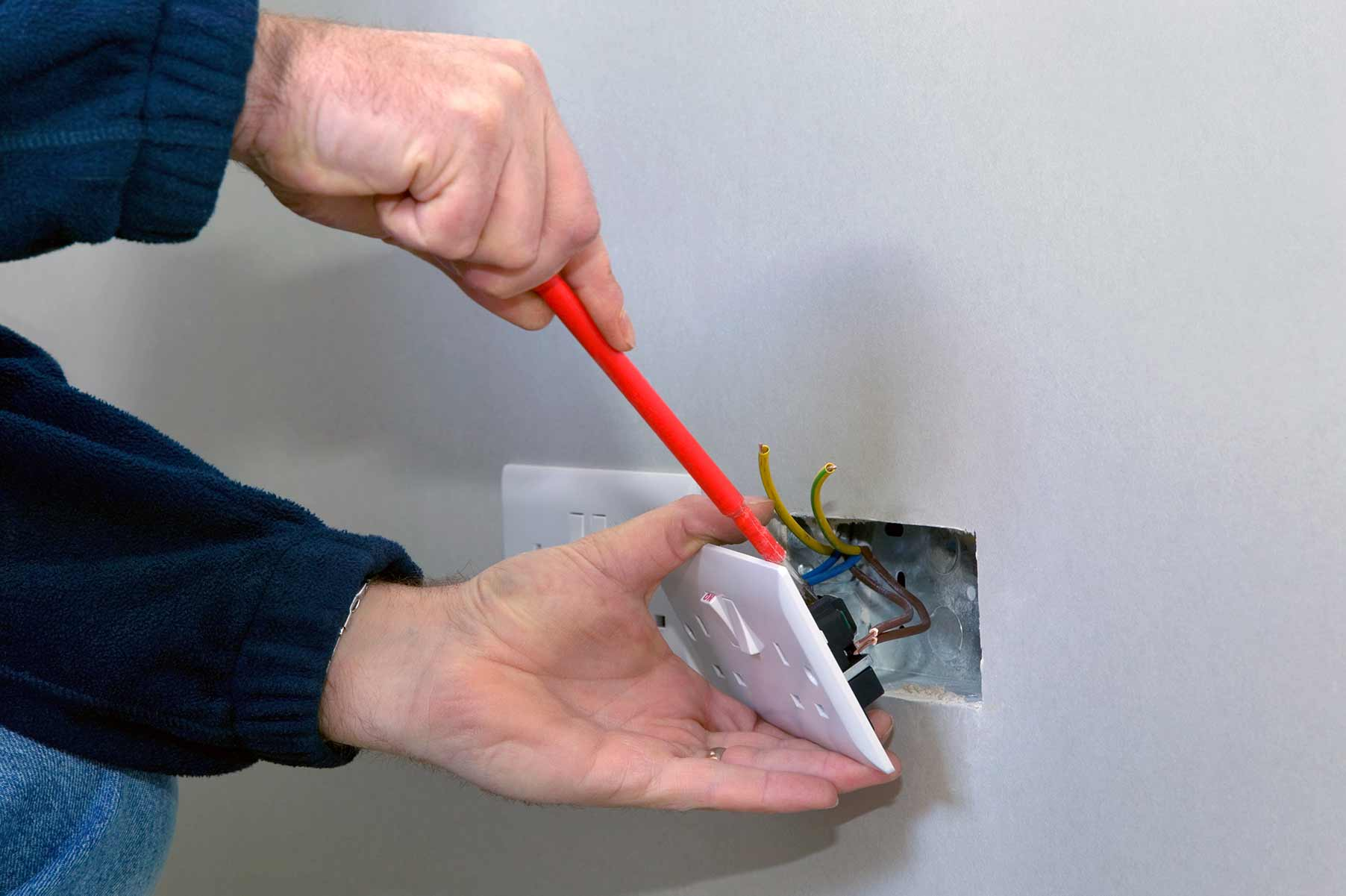 Our electricians can install plug sockets for domestic and commercial proeprties in Brentwood and the local area.